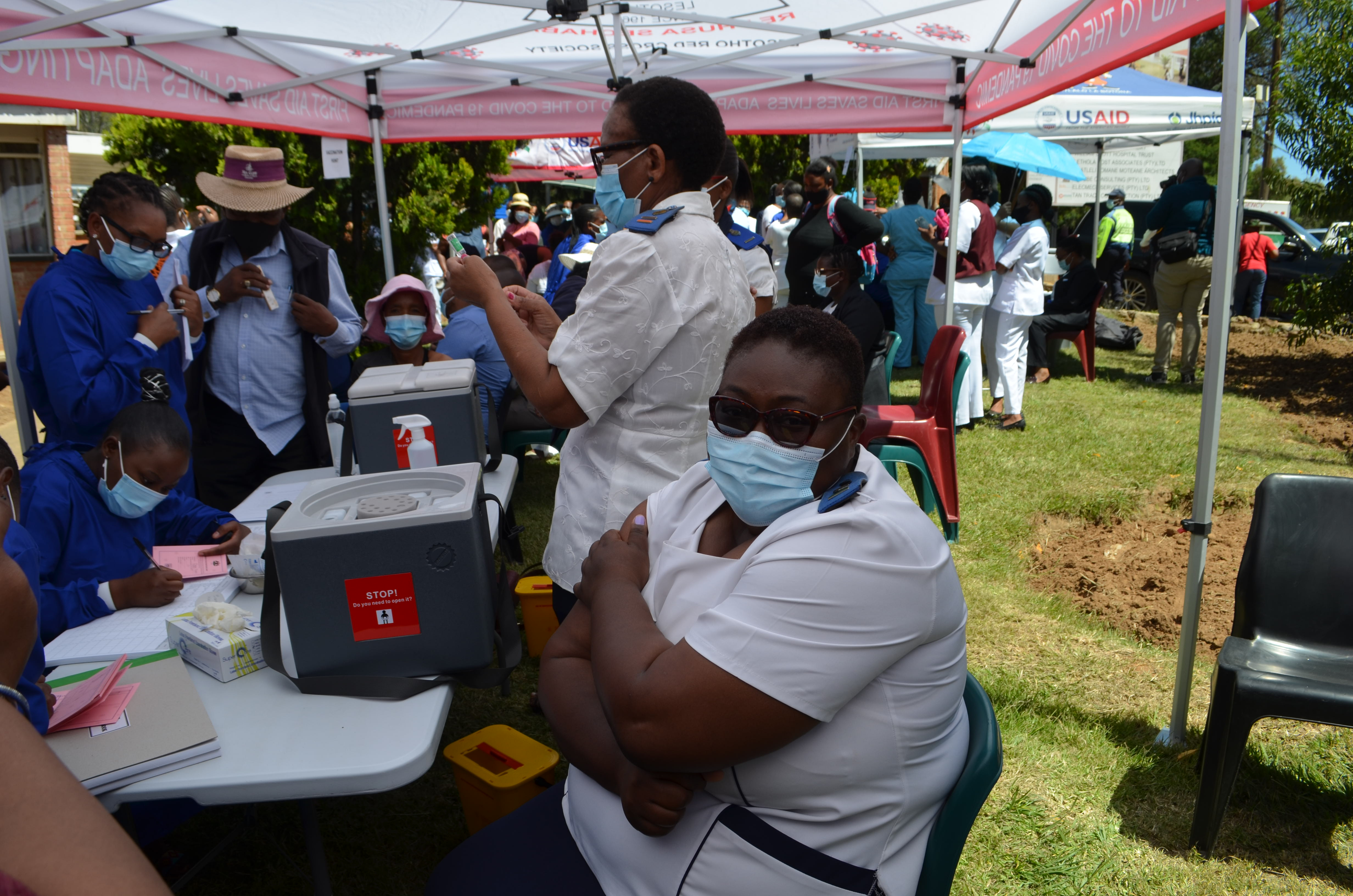 Health care workers: first to be vaccinated in Lesotho
